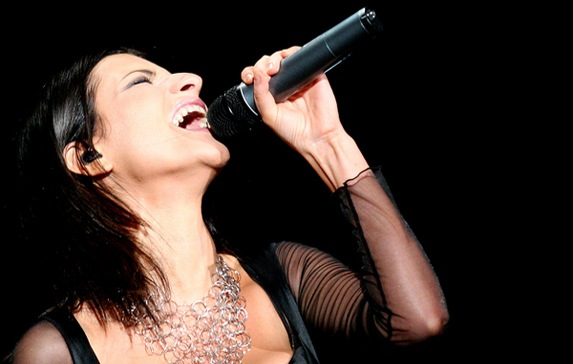"Laura Pausini: ""Ora basta, incidente hot mi fa vergognare"" Laura-pausini-asta-supersic"