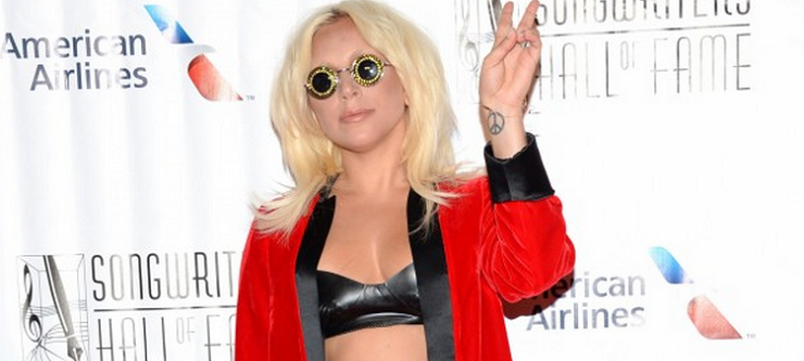 Video Lady Gaga alla Songwriters Hall of Fame