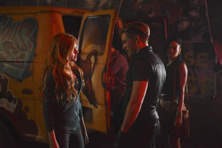 """SHADOWHUNTERS - """"The Mortal Cup"""" - One young woman realizes how dark the city can really be when she learns the truth about her past in the series premiere of"""