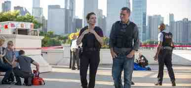 Jason Beghe di Chicago PD sotto accusa: Sophia Bush in fuga per molestie e comportamenti inappropriati?