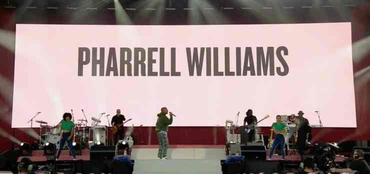 pharrell williams con miley cyrus a one love manchester