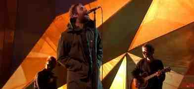 Video Liam Gallagher ai Brit Awards 2018 canta Live Forever