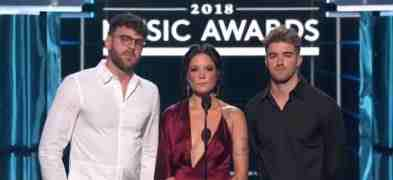 "Video dell'omaggio ad Avicii ai Billboard Awards 2018 con Halsey e Chainsmokers, un invito a curare ""la ..."