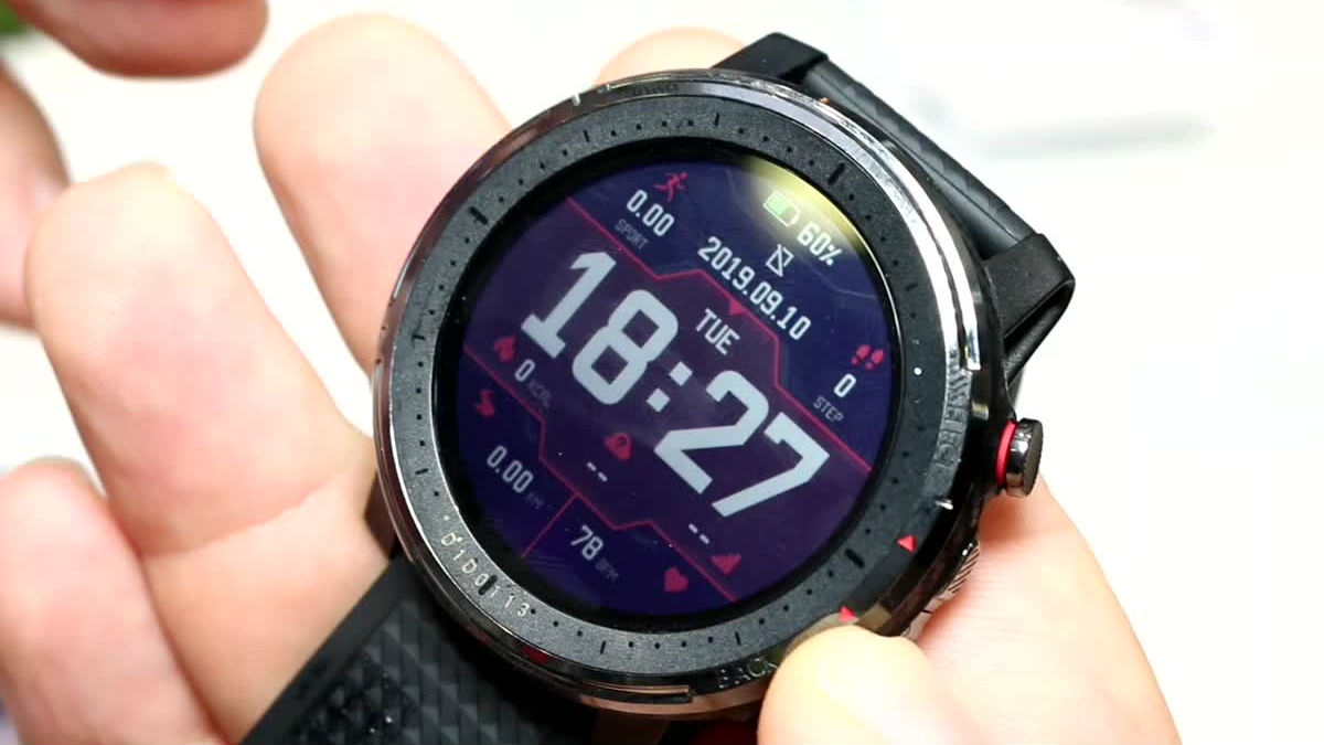 In Italia Amazfit Stratos 3: precisione e bellezza a 199.99