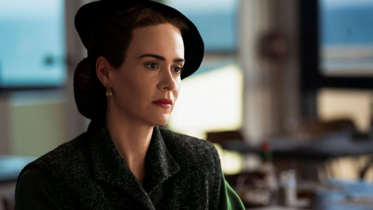 Sarah Paulson in Ratched, su Netflix dal 18 settembre 2020